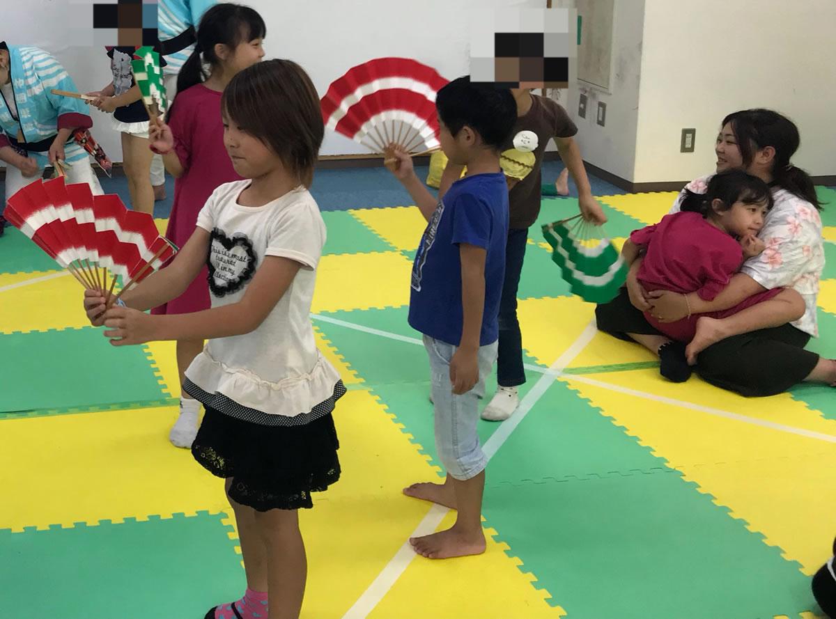 「天王寺・大きな木」ですずめ踊り8