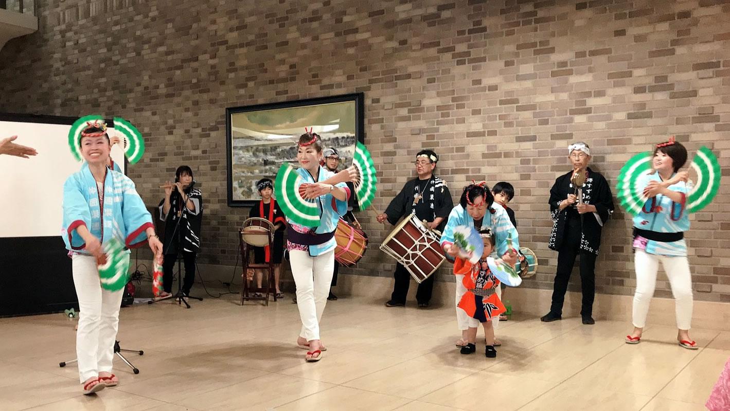 済生会・中津病院にてすずめ踊り演舞1