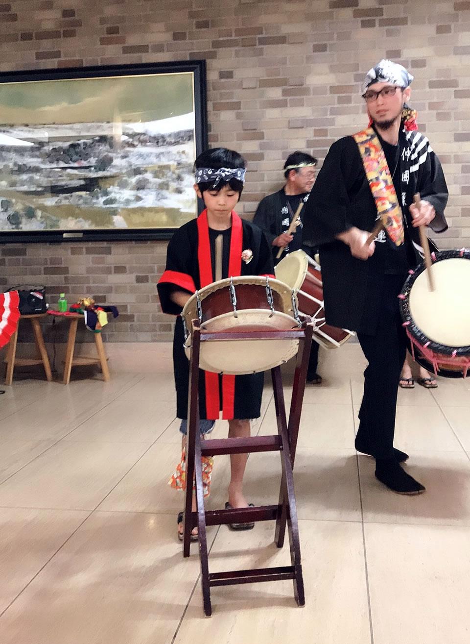 済生会・中津病院にてすずめ踊り演舞4